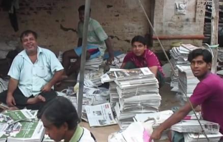 Zeitungsverkäufer in Indien